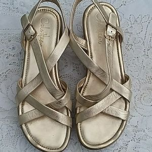 COLE HAAN SIZE 8.5AA GOLD SANDALS